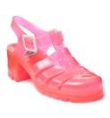 Un par de jelly shoes. Voy a hacer un post para que las conozcan, son lindas.